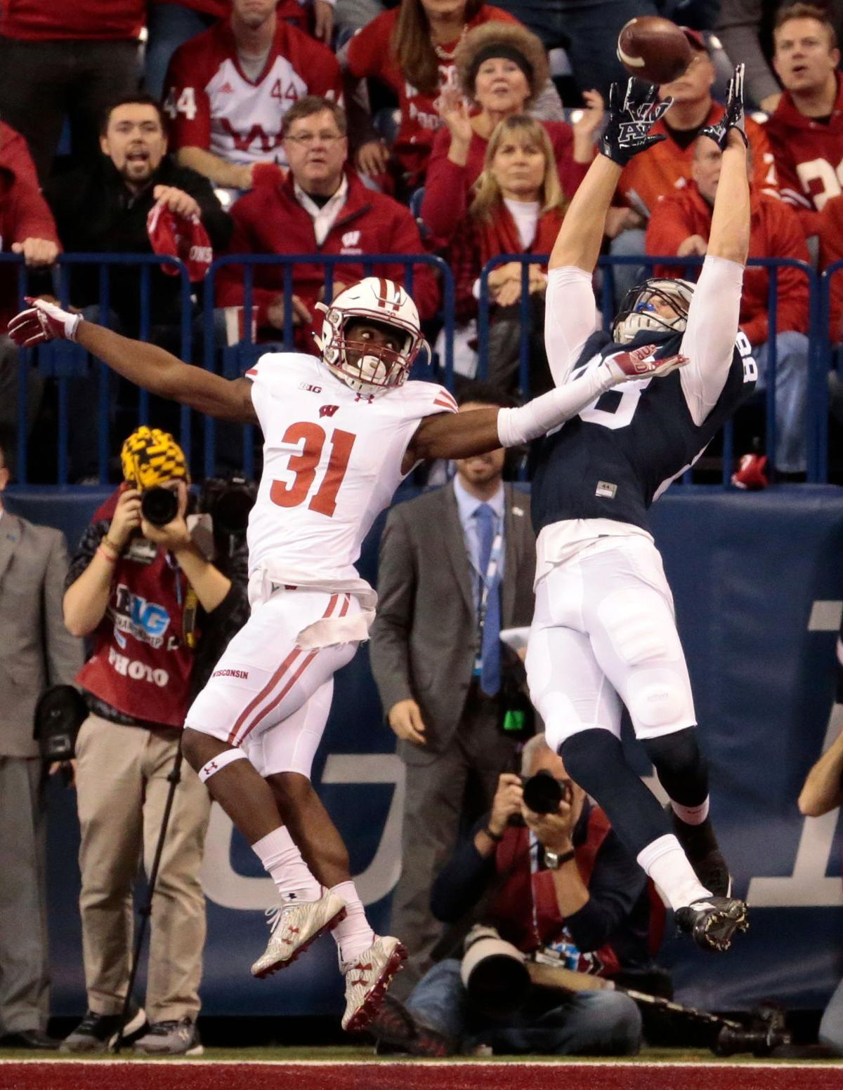 Badgers football film room taking a closer look at wisconsin s defensive collapse against penn state