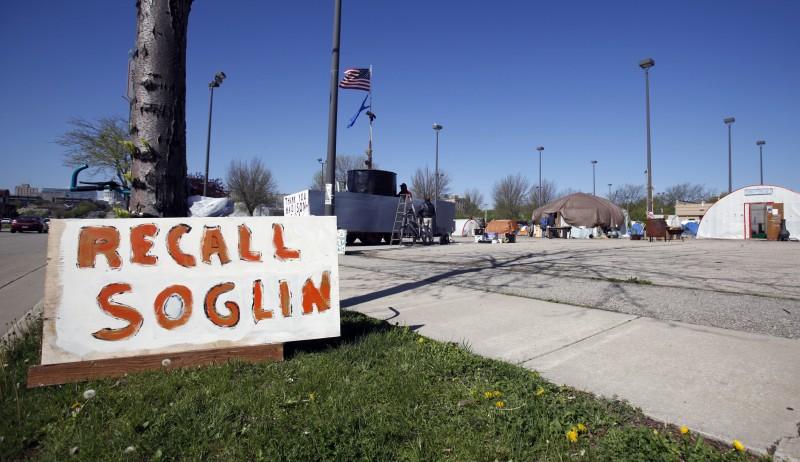"""Occupy Madison """"recall soglin"""" sign file photo"""