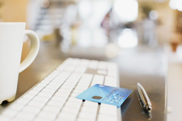 1 Essential Tip for People Who Carry Multiple Credit Cards