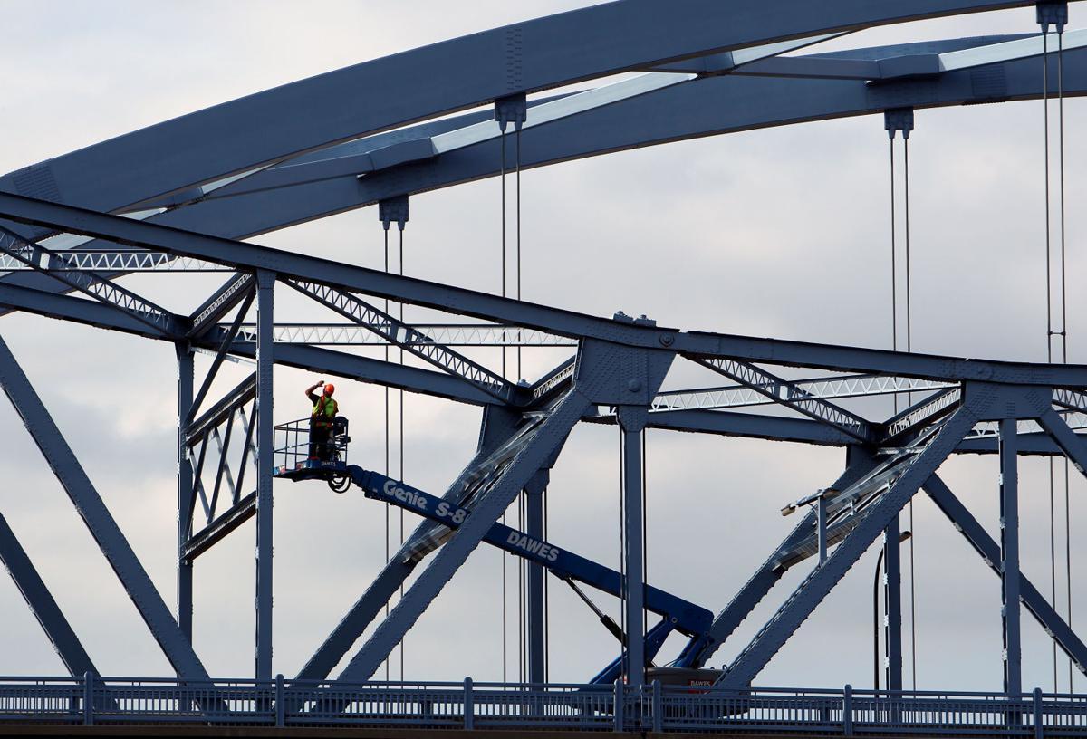 Bridge inspector Seitz