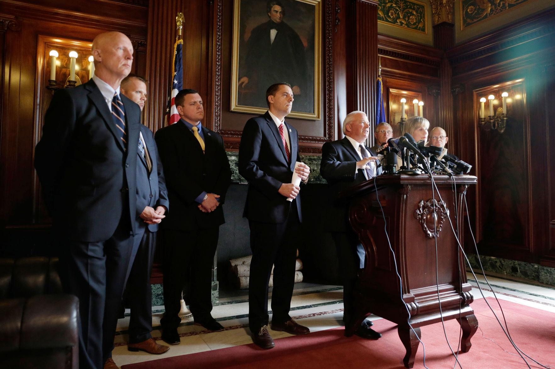Senate opens debate on Wisconsin budget