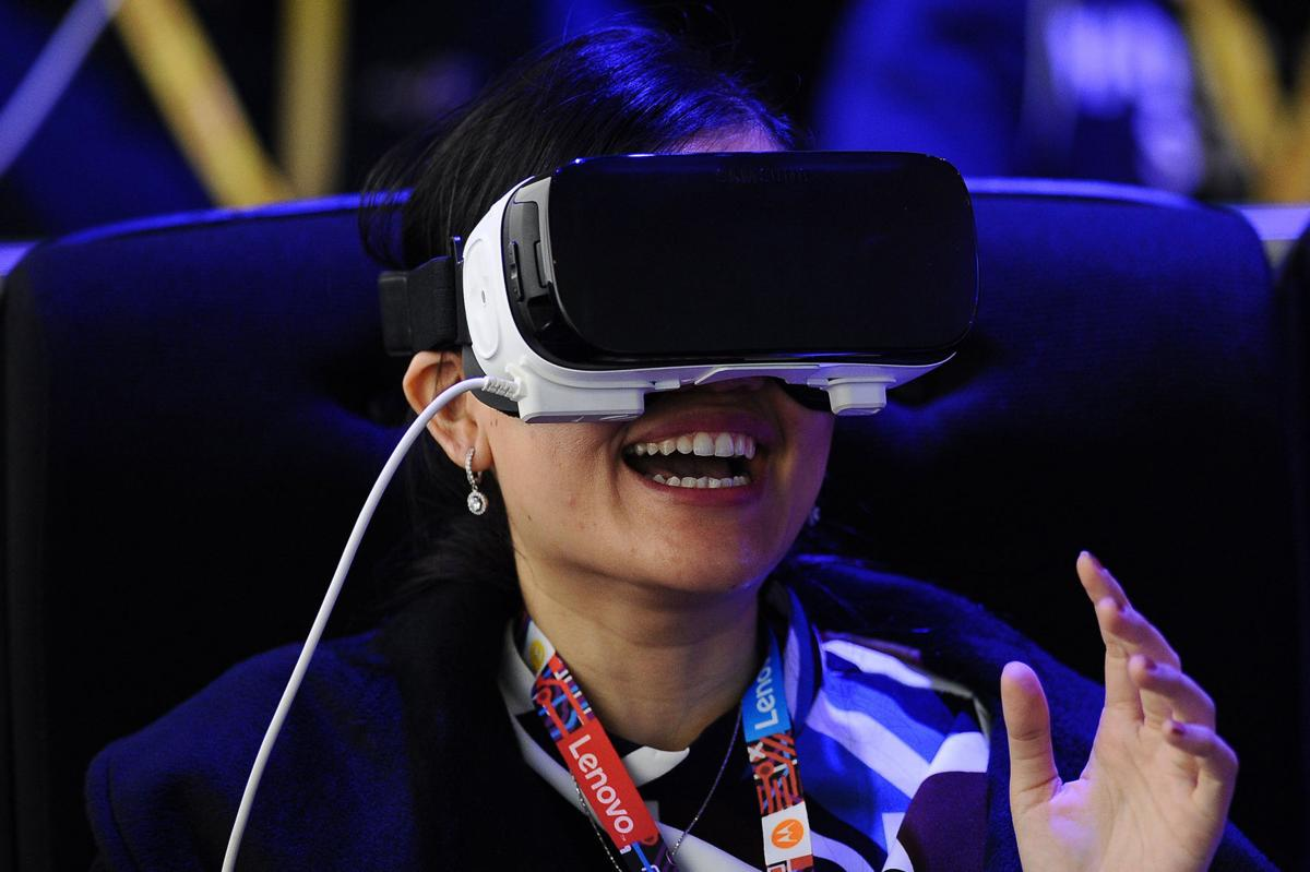 Hollywood beginning to see role for virtual reality