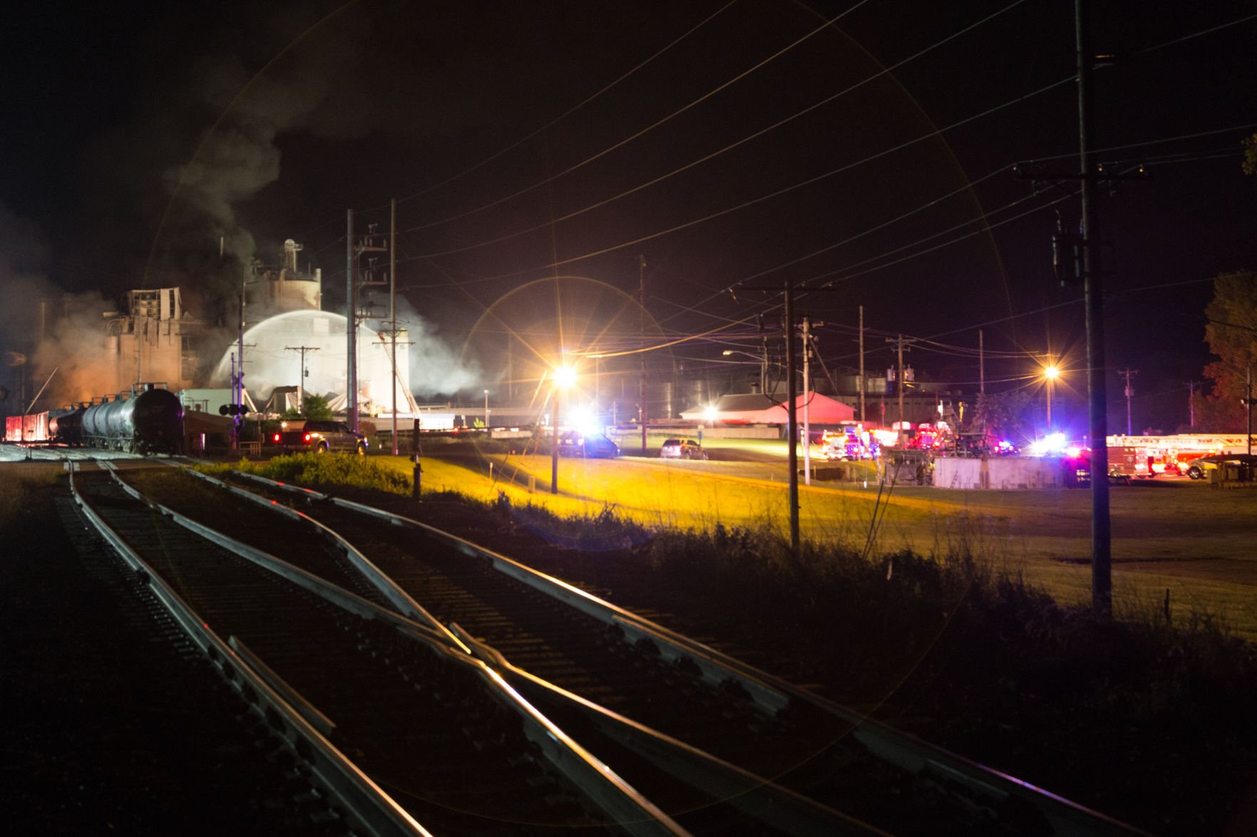 Crews look for 2 workers after fatal blast at Wisconsin mill
