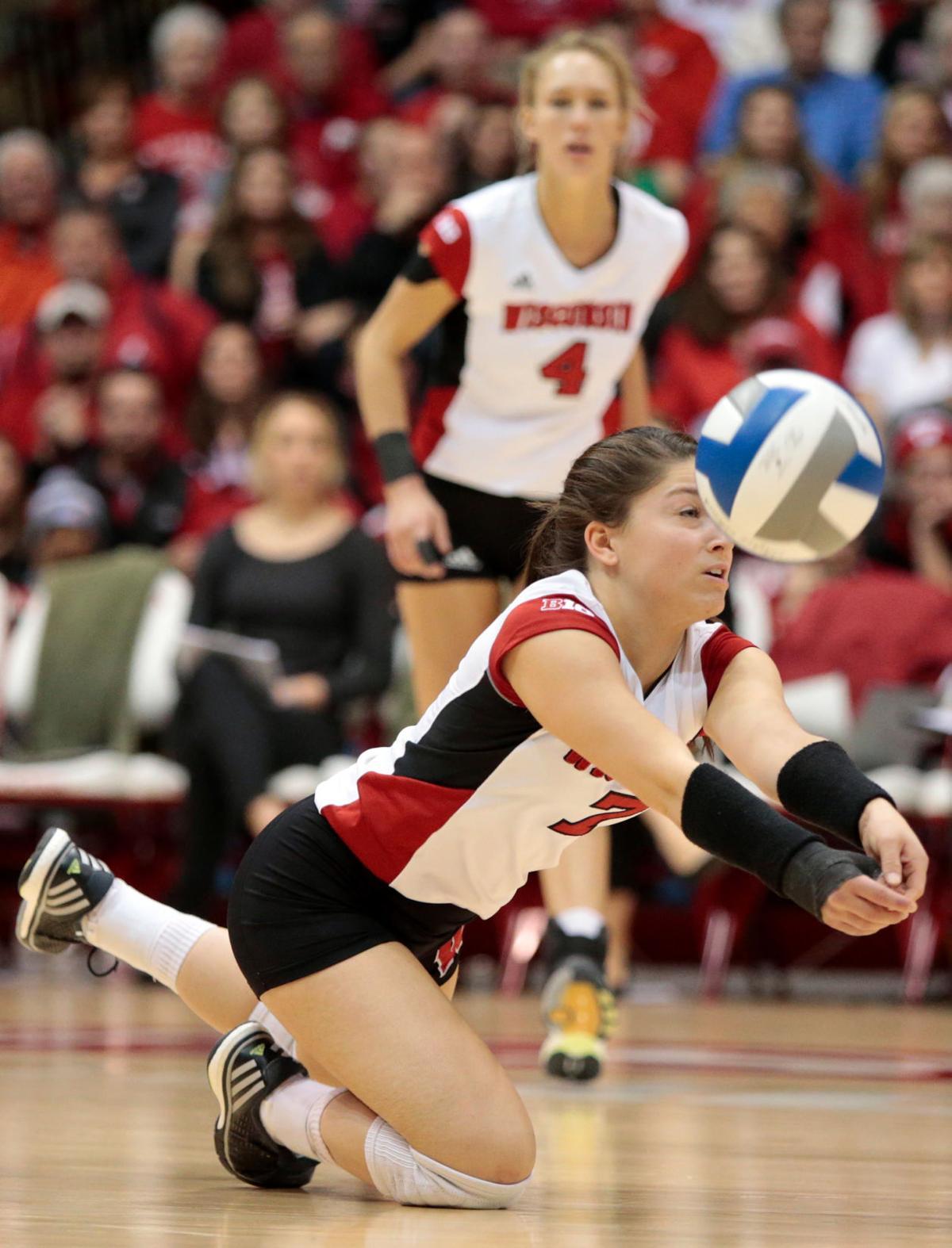 Amber MacDonald, UW volleyball vs. Iowa State (copy)