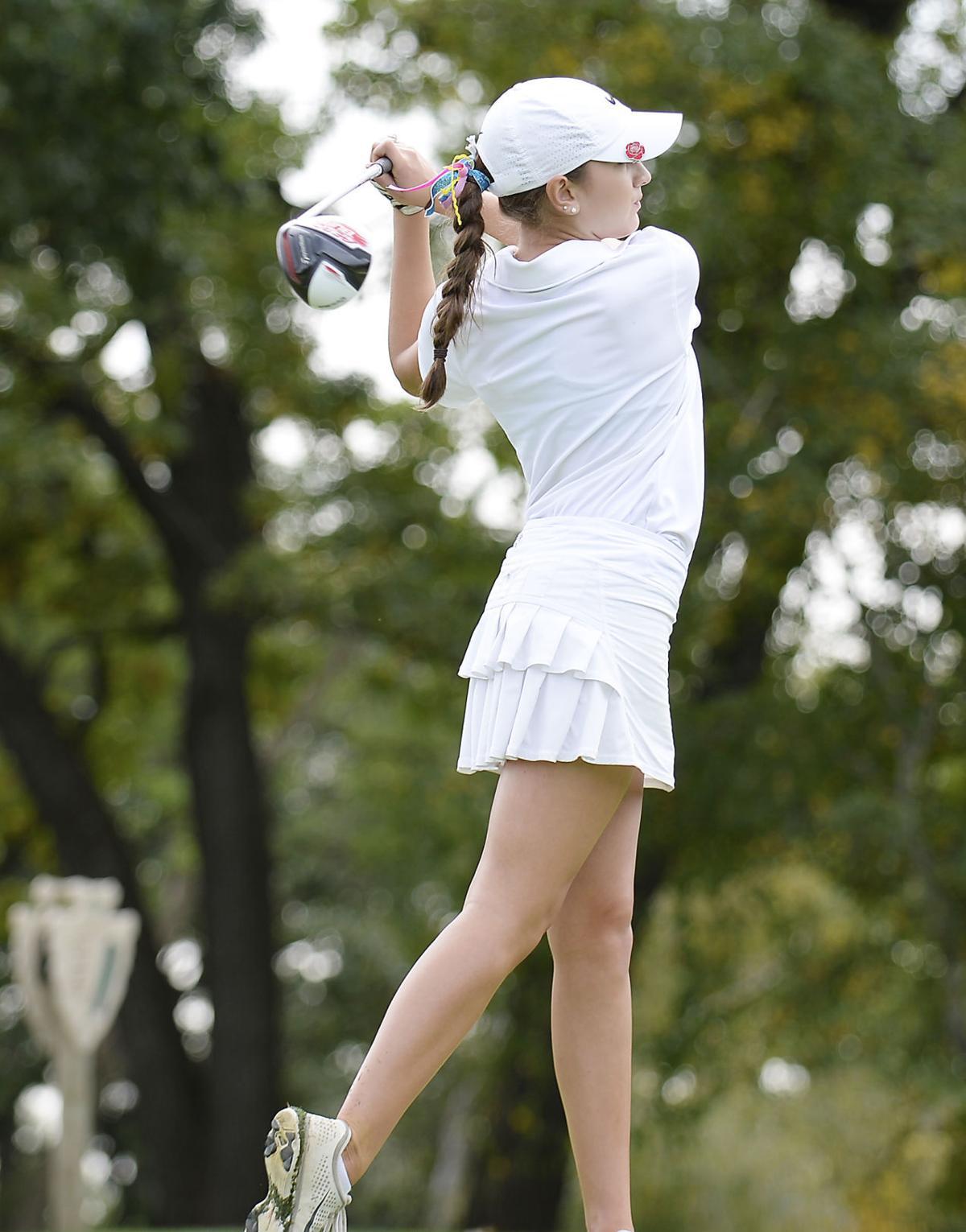 girls-golf-05-F9M0124-10042016182007