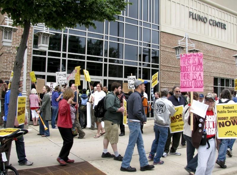 Fluno Protest 1.jpg