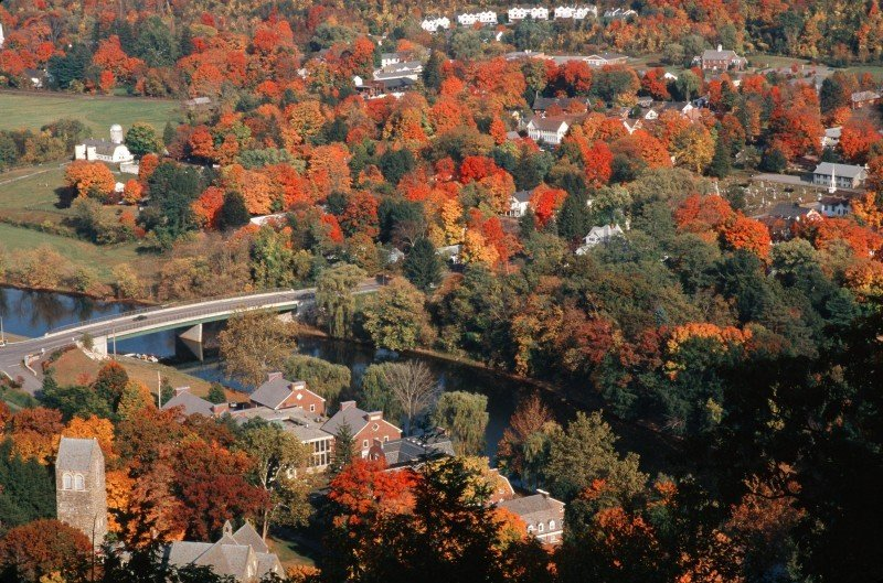 Which Place Has More To See Rhode Island Or Vermont