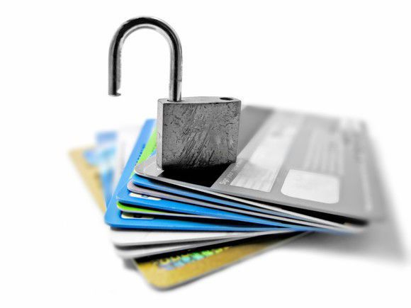 What's the Difference Between Secured and Unsecured Credit Cards?