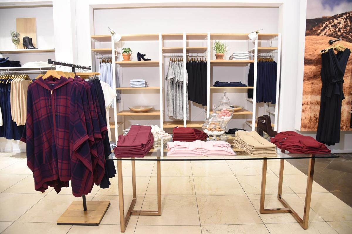 Lands 39 end opens pop up shop in new york city 39 s trendy for Furniture stores nyc soho