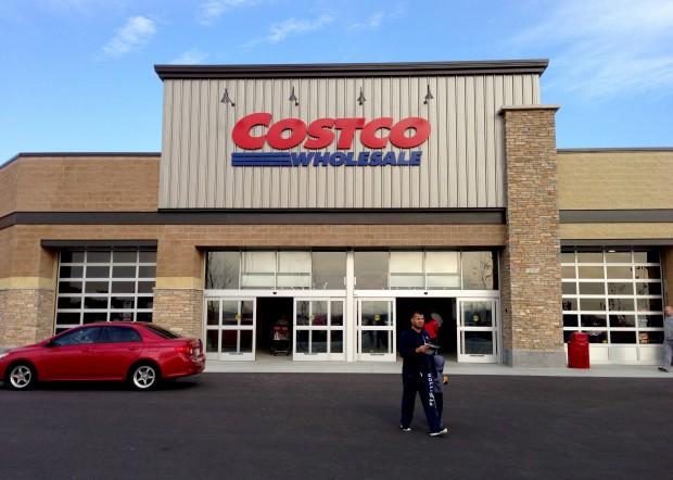 new costco opens to fanfare in sun prairie wsj. Black Bedroom Furniture Sets. Home Design Ideas