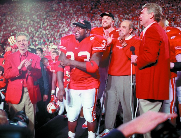an introduction to college sports and ron dayne Ron dayne ronald dayne (thunder) position: rb 5-10, 250lb (178cm, 113kg) born: march 14, 1978 (age: 40-185d) in berlin, nj college: wisconsin.