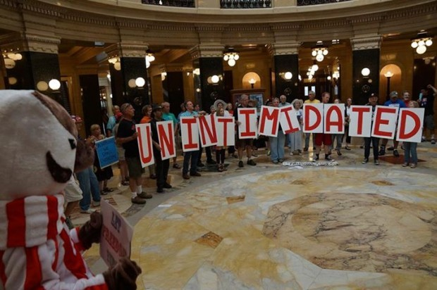 Solidarity singers Unintimidated