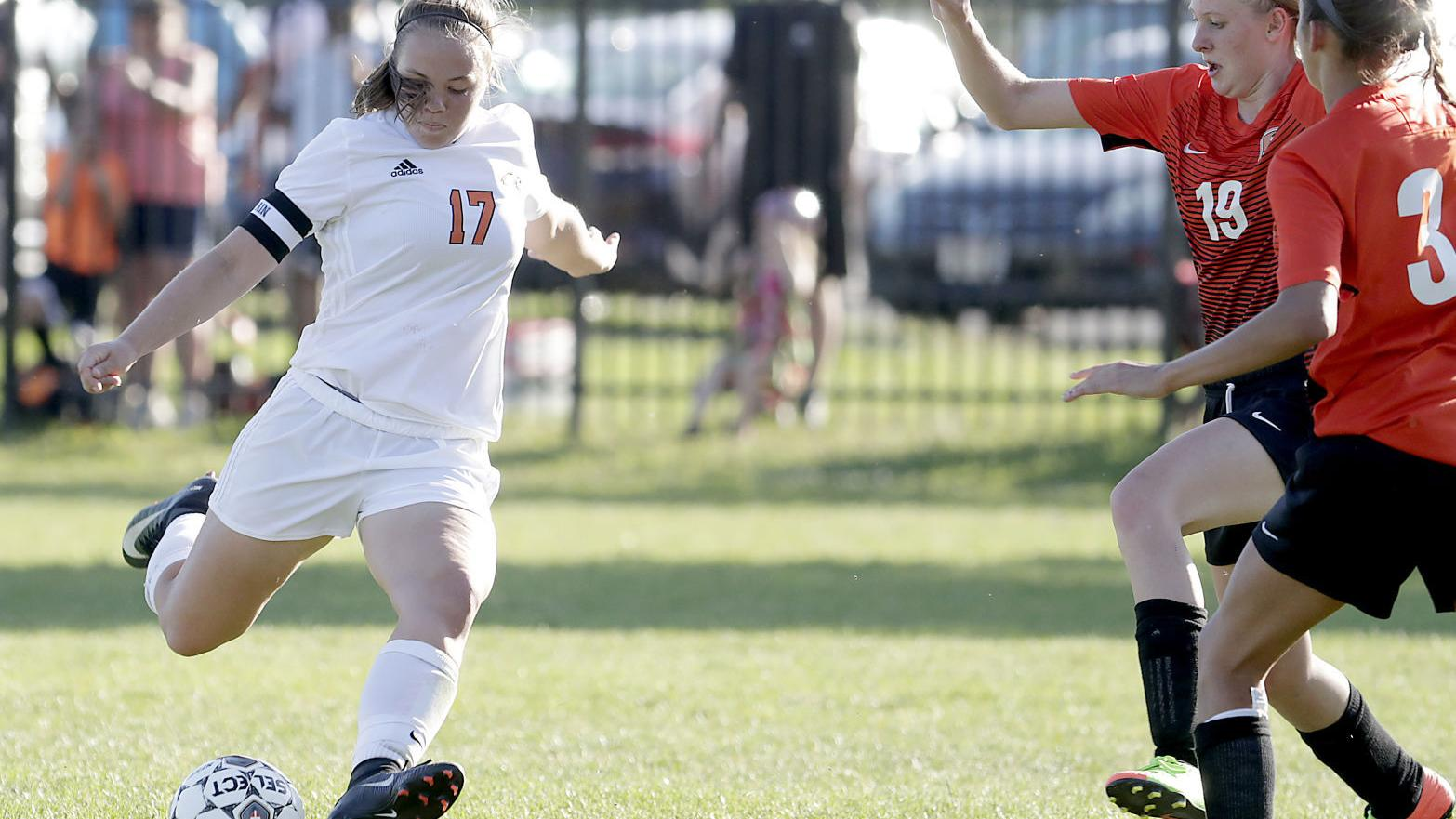 Prep girls soccer: Oregon's Holly Kaboord, Mount Horeb's Sydney King lead area all-state selections
