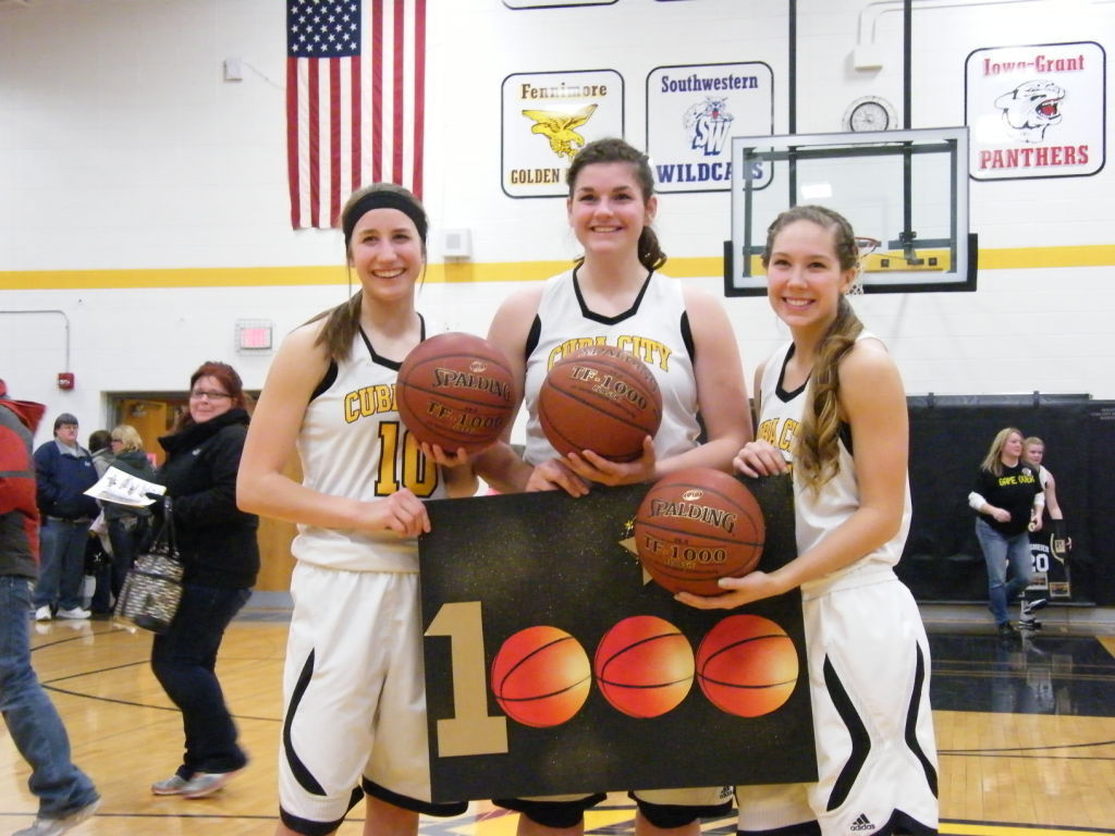 Girls Basketball Cuba City Trio Surpasses 1 000 Point
