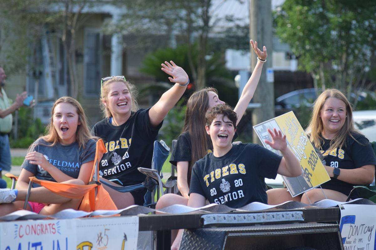 Loreauville High Class of 2020 honored with parade
