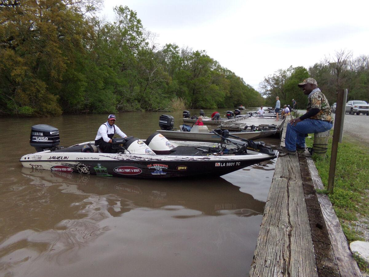 Amy calms his nerves with 15-minute flurry of bass catchin' on way to big win