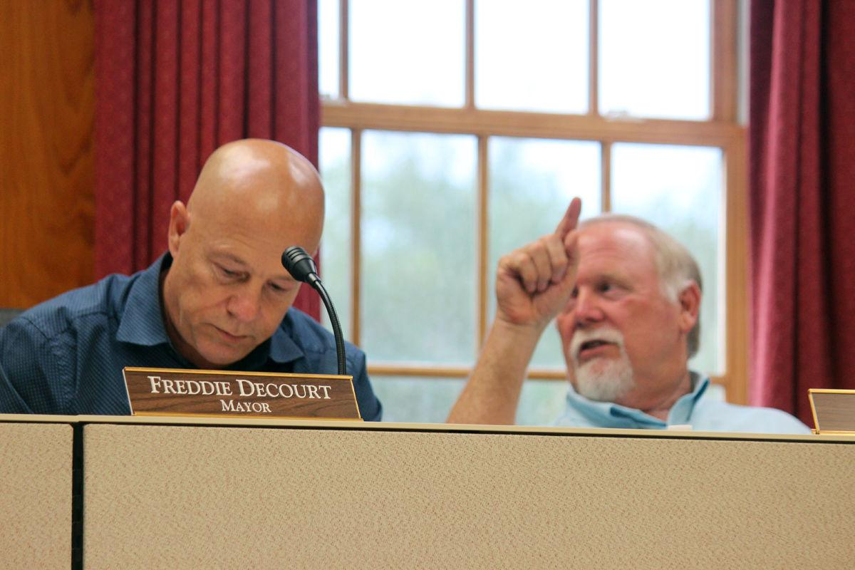 Road work, illegal dumping among budget issues for New Iberia City Council
