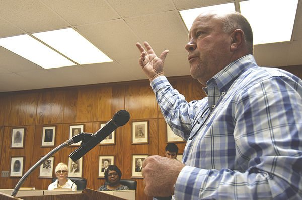 Planning and Zoning Committee votes against allowing waste facility in town