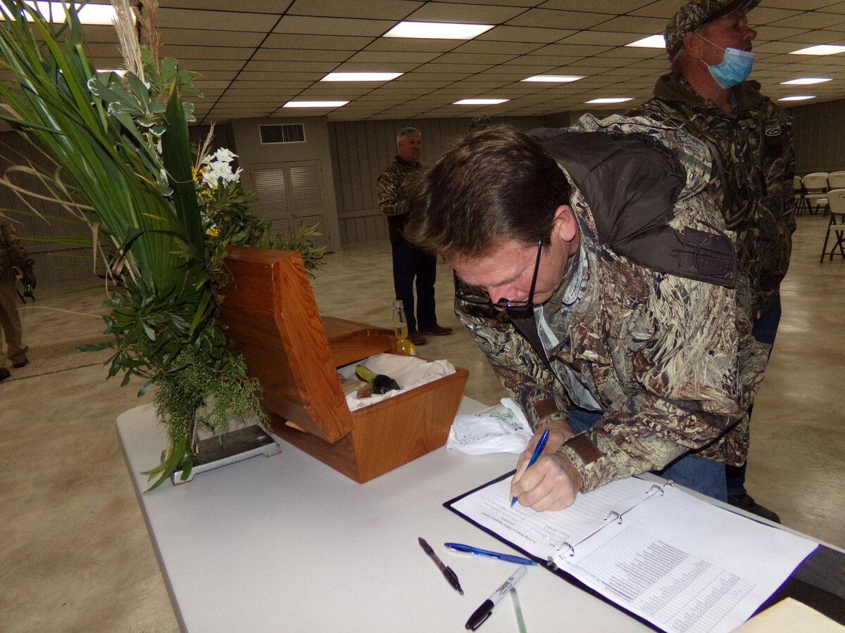 Whites' annual Duck Wake goes on despite COVID; duck hunters unite