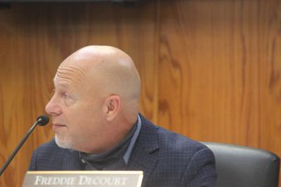 After New Iberia City Council unanimously passes ordinance for $12,5 million bond issue, mayor says 'Roads are coming'