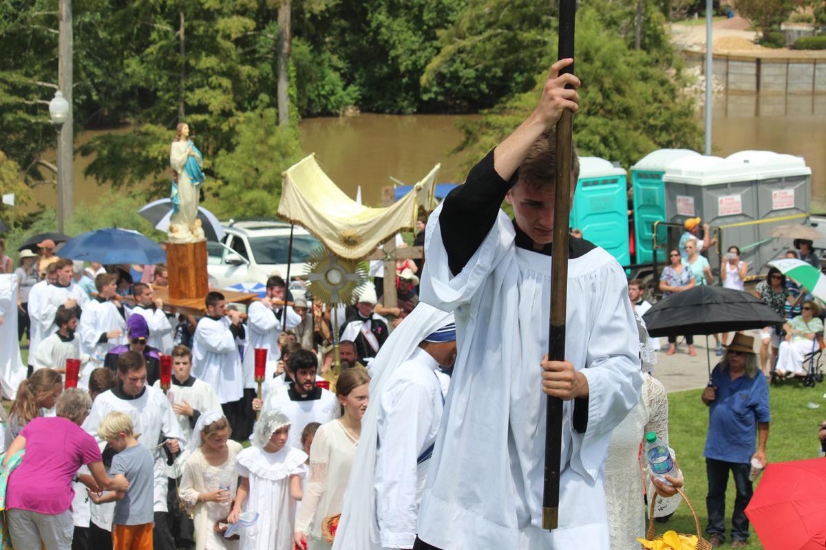 Fête-Dieu du Teche celebrates Assumption of Mary, Acadian route