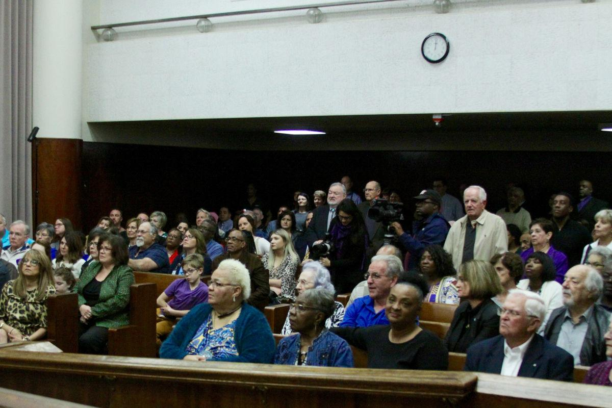 Big crowd gathers to see council sworn in