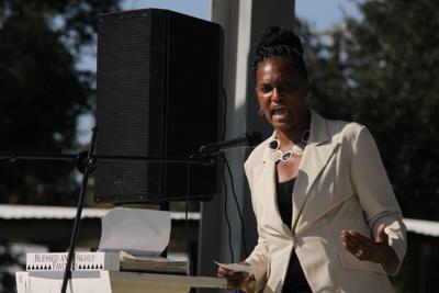Mitchell veto rally