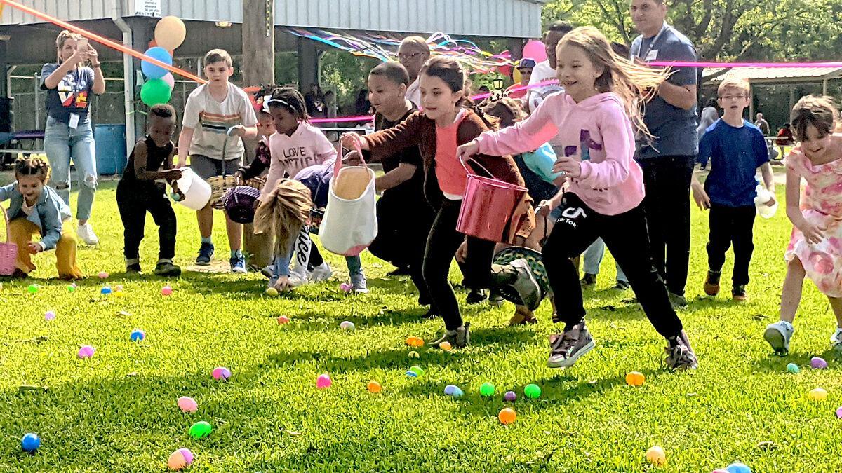 'Egg-splosion' of Easter eggs draws big crowd
