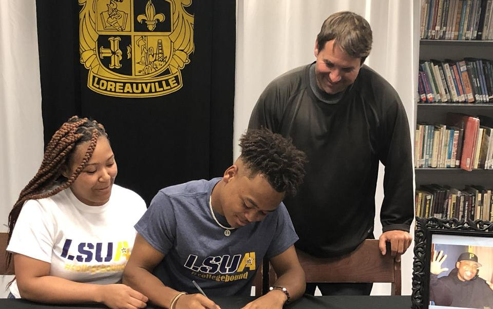 Loreauville's Nora inks with LSUA