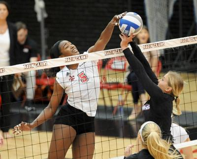 Gardner to play pro volleyball