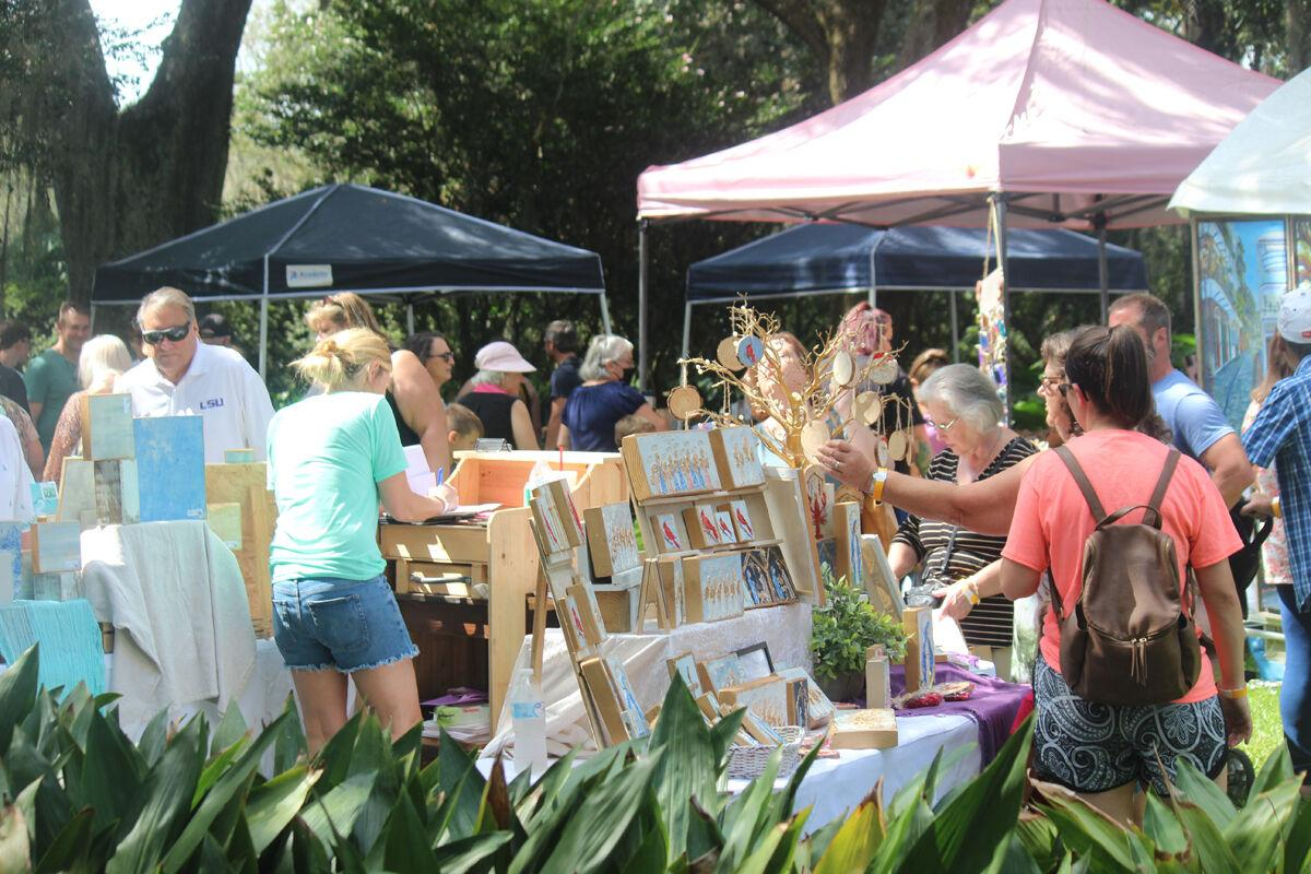 Cookoff spillover helps bring crowds to Shadows