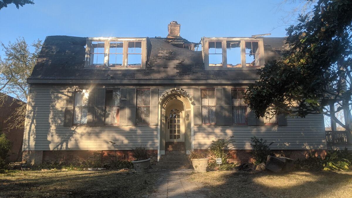 Burned House 8929.jpg