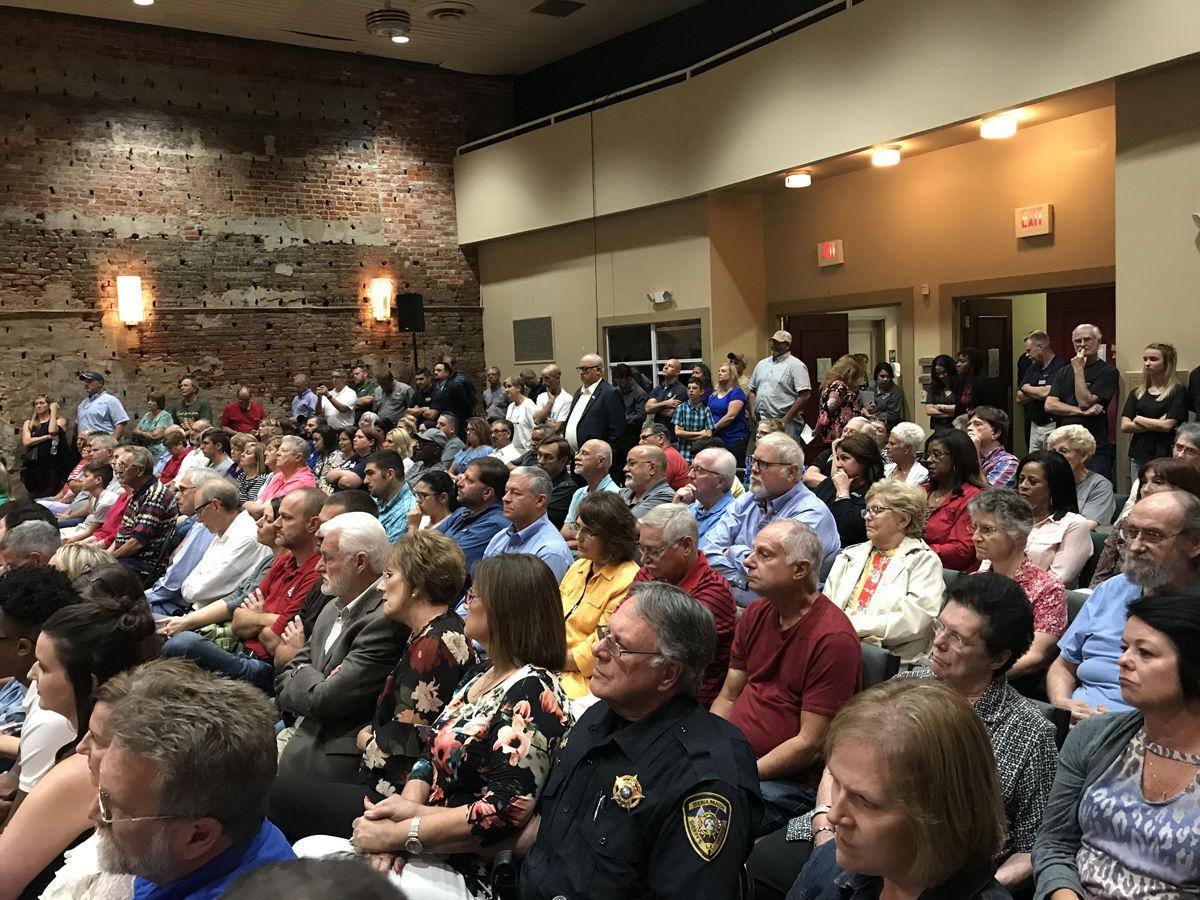 Greater Iberia Chamber of Commerce candidates' forum brings out crowds to hear candidates