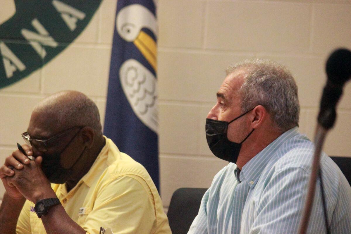 Jeanerette board discusses raises for dispatchers, delays action