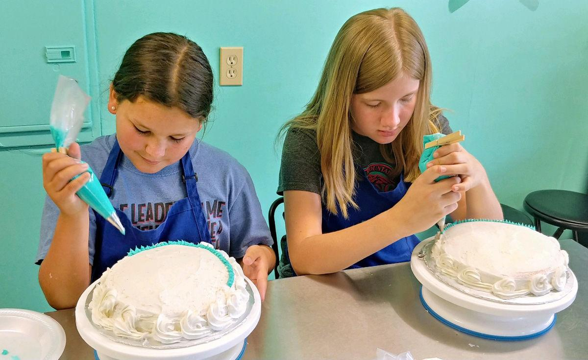 Summer camps introduce kids to joys of cake decorating