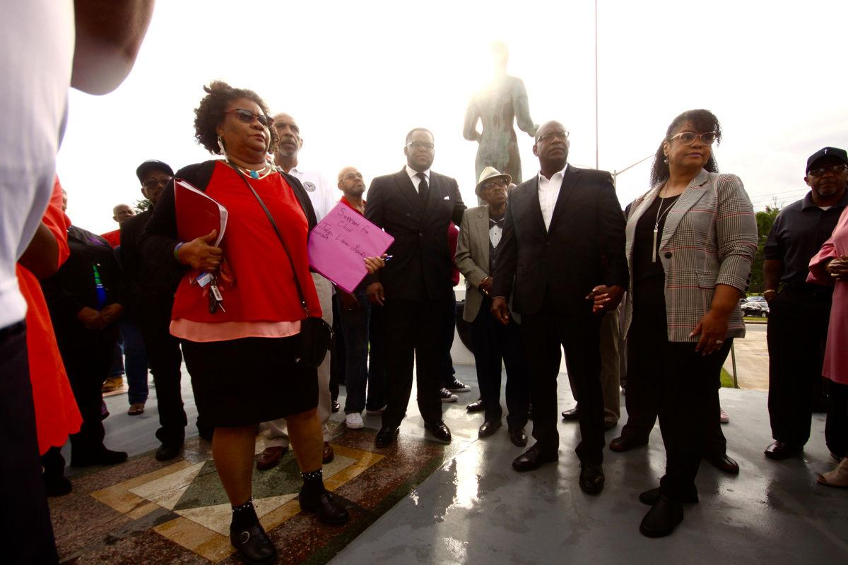 Recusal hearings continued; dozens rally for judge