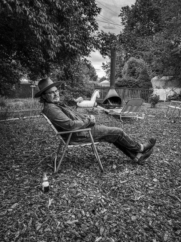 full-lawn-chair_orig.jpg