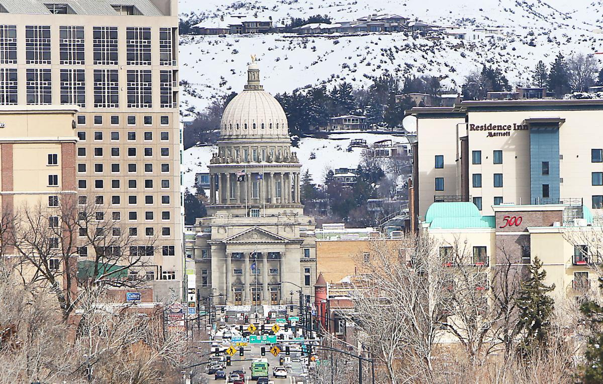 Capitol building (winter)