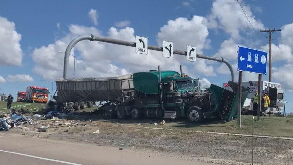 I-84 crash Caldwell semi