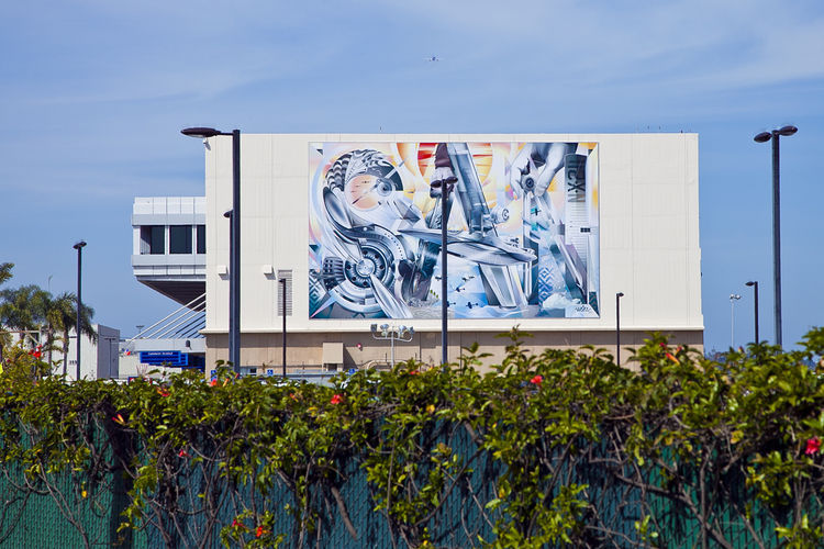 The First In A Series Of Murals Urban Artist Jari Werc Alvarez Completed At The Sango International Airport Alvarez Will Be Painting A Mural On The