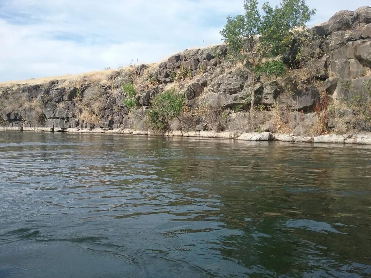 Indian Creek Rock Cooridor.jpg