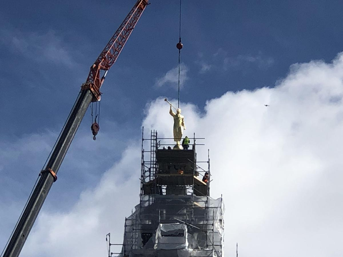 Angel Moroni statue being placed on Pocatello temple