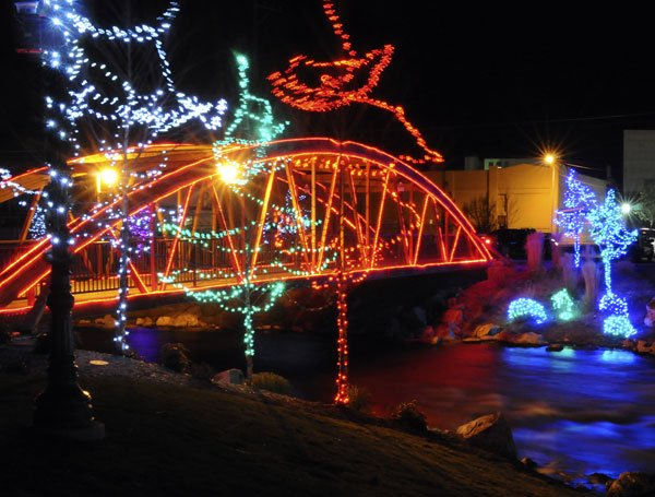 Light spectacle will usher in the holidays in Caldwell | Community ...