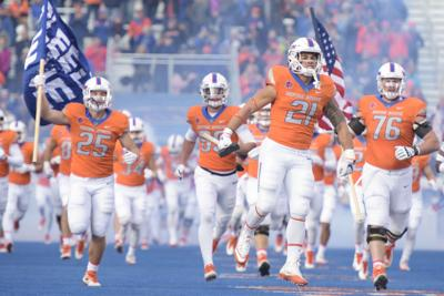 Broncos Hope To Move Closer To Spot In Mountain West Title Game With