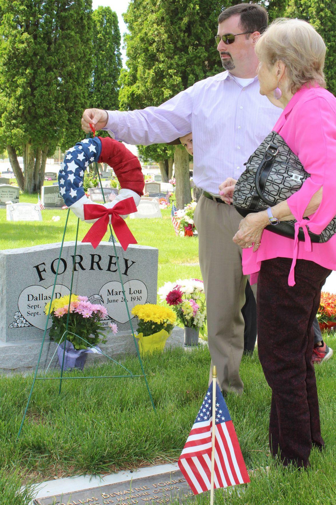 Dallas Forrey grave site
