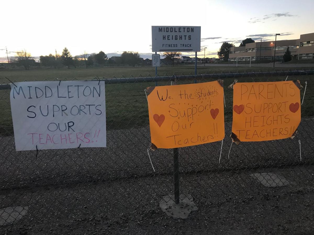 Middleton teachers signs
