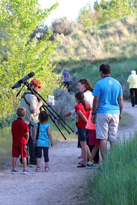 Residents participate in Unplugged and Be Outside birdwatching tour