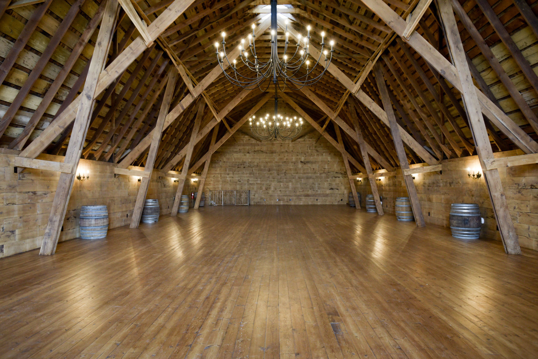 wedding reception places in twin cities%0A Nampa couple refurbishes   yearold barn for wedding venue   Local News    idahopress com