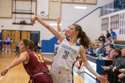 Emmett girls advance in District basketball