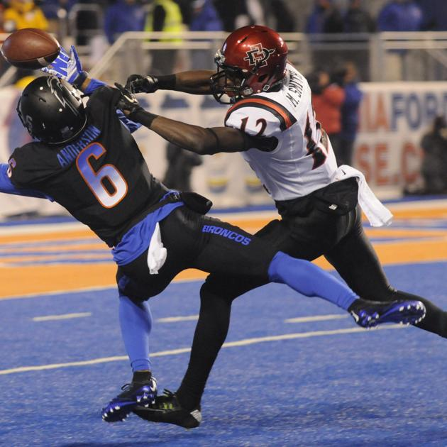 Boise State Vs San Diego State Football Photos